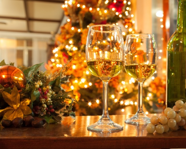 Christmas tree, Christmas lights, Wine Glasses